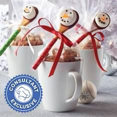 Create sweet gifts with Festive Hot Cocoa and D.Y dipped Petite Bamboo Snowflake Spoons for toppers. Add a mug and you've got a great gift for teachers, coaches, baby-sitters, party hosts and more. Christmas Gift Card Holders, Christmas Gifts For Coworkers, Christmas Mugs, Great Christmas Gifts, Christmas Treats, Chocolate Spoons, Hot Chocolate Bars, Chocolate Gifts, Chocolate Morsels