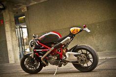 04/04/13   Yellow Biker www.yellowbiker.com750×500画像で検索 Radical-Ducati-Mikaracer-wallpaper-gallery-pictures-poster-vintage_retro_classic_chopper_old_custom_cafe-racer_hotrod-motorcycle-bike-biker-beautiful-sexy- ...#selfie