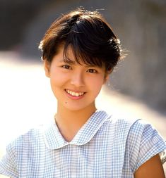 Yoko Minamino is a Japanese actress and singer. 80s Short Hair, Short Hair Styles, Prity Girl, Kawaii Faces, Movie Magazine, Cute Japanese, Yoko, Classic Beauty, Asian Beauty