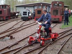 Cool Pictures, Funny Pictures, Crazy Pictures, Weird Pictures and Videos updated daily. Train Pictures, Cool Pictures, Train Miniature, Work Train, Railroad Photography, Rail Car, U Bahn, Old Trains, Old Tractors