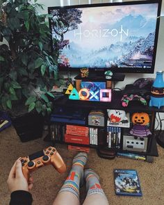 Teen girl bedrooms, check this info for a complete adorable teen girl room project, reference number 2060110245 Deco Gamer, Geek Room, Video Game Rooms, Video Games, Gaming Room Setup, Game Room Design, Game Room Decor, Aesthetic Rooms, Teen Girl Bedrooms