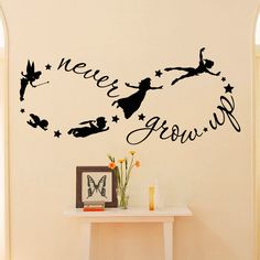 Enfants de Peter Pan Disney Silhouette de vol jamais grandiront citation Fantasy infini de conte de fées symbole - Wall Decals pépinière Decal pour enfants Q037 par FabWallDecals sur Etsy https://www.etsy.com/fr/listing/224784970/enfants-de-peter-pan-disney-silhouette