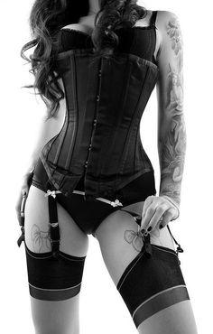 black corsett with suspenders