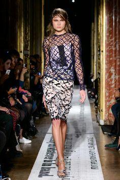 GOSIA BACZYNSKA - Spring Summer 2015 - Paris Fashion Week
