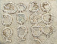 gebruikte technieken: handgemaakt vilt, borduurwerk en kralen  handmade felt, embroidery and beads