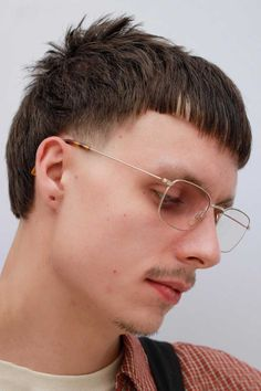 A mullet haircut has made a huge comeback recently. It has set off many modern male haircuts in mens fashion of From a short curly Mohawk to an edgy and hot long Asian haircut, there is a style for everybody. Fohawk Haircut Fade, Mullet Haircut, Asian Haircut, Mullet Hairstyle, Diy Haircut, Hairstyle Men, Mullet Fade, Mens Mullet, Short Mullet