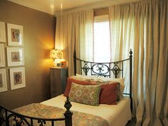 abode love: a man's home is his wife's castle: roomspiration linky party: guest bedroom edition Eclectic Home, Bedroom Paint Colors, Guest Bedroom, Curtains, Bedroom Colors, Home, Guest Bedrooms, Small Bedroom, Room