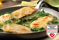This Italian-inspired skillet dish features tender chicken breasts sauteed in a brightly flavored lemon sauce with fresh baby spinach. Plus, this restaurant-style meal is on the table in just 25 minutes! Chicken Breast Recipes Healthy, Heart Healthy Recipes, Chicken Recipes, Kitchen Recipes, Cooking Recipes, Chicken Scallopini, Spinach Recipes, Lemon Chicken, Healthy Eating