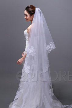 Fancy Cathedral Wedding Veil with Lace.     Keywords: #weddingveils #jevelweddingplanning Follow Us: www.jevelweddingplanning.com  www.facebook.com/jevelweddingplanning/
