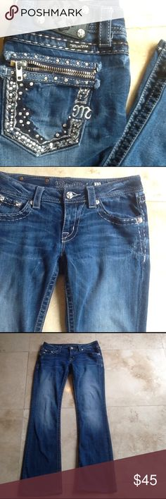 Miss Me Boot Cut Jeans Zipper back pockets. Inseam about 33. Need more info please ask. Miss Me Jeans Boot Cut