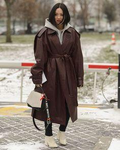 @Handinfire. Paris FW18 | #PFW #Streetstyle #TiffanyHsu #OffWhite #FW18 #Parisfashionweek #Mode #Fashion #Fashionweek #Paris #Womenswear #AlexandreGaudin #Lubakilubaki