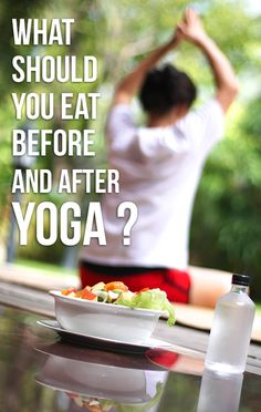 What Should You Eat Before And After Yoga-Do you perform yoga regularly? And if you do, are you aware of what food you should be taking before and after performing yoga? Sanftes Yoga, Yoga Meditation, Yoga Inspiration, Fitness Inspiration, Yoga Jobs, Yoga Fitness, Health Fitness, Nutrition, Restorative Yoga