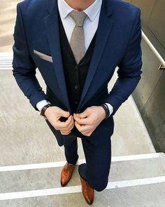 e02136712af007 anzug farbe blau hemd weiß krawatte grau schuhe braun hellbraun anzug ideen  zum style  menssuitscombinations