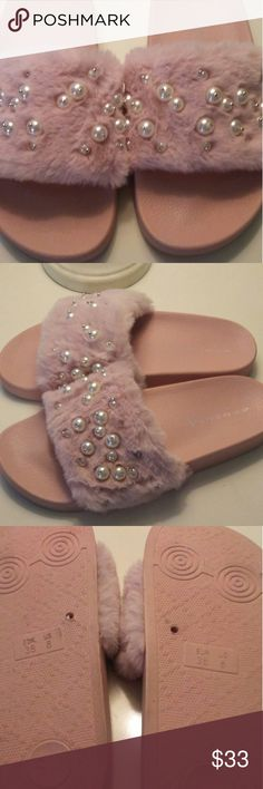 edce48eecbc1ef Steve Madden Light Pink slides 8 Excellent condition light pink fur  embellished pearl slide sandals size 8 Steve Madden Shoes Sandals