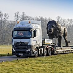 Bruce Little Lion Sculpture, Longleat House, Wiltshire, UK