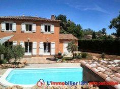 Villa provençale sur 2 niveaux avec piscine et jardin arboré. Très belles prestations. Grand séjour avec poêle, cuisine us équipée, suite parentale avec dressing et 4 chambres, belle salle de bains avec baignoire d'angle. 2 belles terrasses http://www.partenaire-europeen.fr/Annonces-Immobilieres/France/Provence-Alpes-Cote-d-Azur/Var/Vente-Maison-Villa-F6-TARADEAU-1017428 #maison
