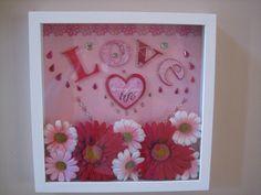 Valentine's Shadow box Valentine Bouquet, Valentine Day Crafts, Valentine Decorations, Holiday Crafts, Shadow Box Picture Frames, Flower Shadow Box, Craft Projects, Craft Ideas, Printable Crafts