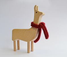 Love ur llama is an adorable solid beech llama that comes with a scarf made of soft llama wool. Perfect as gift, toy or just to keep you company. Project designed for the company All Lovely Stüff at Kingston University.