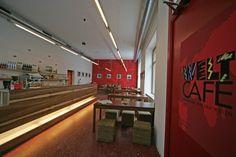 Weltcafé. Fair, bio, international. Paar vegane Optionen. Wien Food Places, Basketball Court, Favorite Recipes, Couple