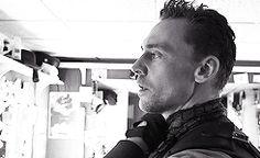 Tom Hiddleston prepares for Coriolanus *gifset*