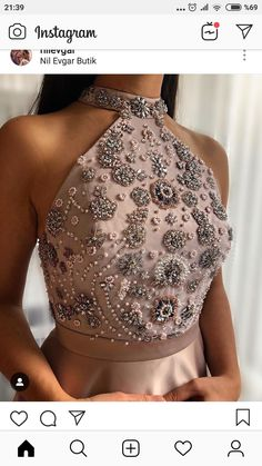 Saree Jacket Designs, Saree Blouse Neck Designs, Choli Designs, Embroidery On Clothes, Embroidery Fashion, Indian Designer Outfits, Designer Dresses, Gorgeous Wedding Dress, Beautiful Dresses