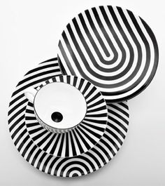 tabletop stripes Coupe china collection by Queensberry Hunt for the Conran Shop - Black And White Dishes, Black And White Colour, Shades Of Black, Black White Stripes, Art Beauté, Op Art, Assiette Design, White Decor, Elle Decor