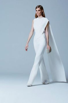 Celebrities who wear, use, or own Elie Saab Pre-Fall 2013 Satin Crepe Jumpsuit. Also discover the movies, TV shows, and events associated with Elie Saab Pre-Fall 2013 Satin Crepe Jumpsuit. Elie Saab, Jumpsuit Elegante, Glam Look, Wedding Jumpsuit, White Pantsuit Wedding, White Jumpsuit Formal, Sparkly Jumpsuit, Elegant Jumpsuit, Wedding White