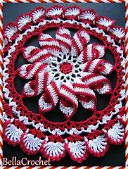 Crochet Projects Design BellaCrochet: Peppermint Pinwheel Doily: A Free Crochet Pattern For You Crochet Dollies, Bag Crochet, Crochet Home, Thread Crochet, Crochet Crafts, Crochet Yarn, Crochet Flowers, Crochet Projects, Crochet Christmas Decorations