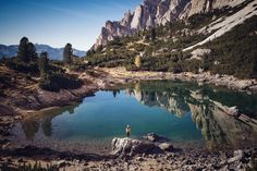 Lago di Lagazuoi is located in the middle of some incredible mountains.