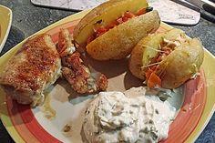 Folienkartoffeln mit Tomaten - Mozzarella - Füllung und Basilikumquark (Rezept mit Bild) | Chefkoch.de