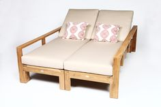 Not Single Chaise Lounge     www.caluco.com  #design #inspiration #caluco #furnituremanufacturer #Furnishings #outdoors #jardin #muebles #patio #outdoorfurnituremanufacturer #hospitalityfurnishings #customhospitalityfurnishings