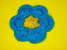easy knit flowers (russian instructions but the video is pretty helpful) Knitting Ideas, Knitting Patterns, Knit Flowers, Flower Video, Google Translate, Figure It Out, Flower Tutorial, Flower Patterns, Knits