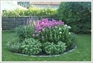 This post covers several affordable landscaping project ideas to help homeowners increase their property value. Small Gardens, Outdoor Gardens, Garden Pictures, Outdoor Landscaping, Cool Landscapes, Garden Planters, Dream Garden, Garden Planning, Amazing Gardens