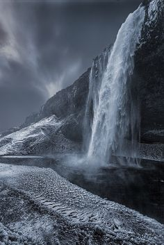 Amazing Waterfall | Most Beautiful Pages