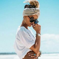 Basic White Tee - Tops by Sabo Skirt Beauty And Fashion, Look Fashion, Womens Fashion, White Fashion, Fashion Tag, Beach Fashion, Girl Fashion, Ibiza Look, Image Fashion