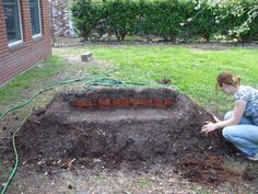 Grow your own grass covered lawn couch. The Grands could get a real kick out of this! Tutorial