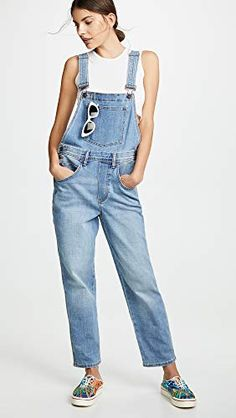 Looking for Wrangler Overalls ? Check out our picks for the Wrangler Overalls from the popular stores - all in one. New Wrangler, Wrangler Jeans, Curvy Women Fashion, Womens Fashion, Denim Overalls, Winter Looks, Straight Leg Pants, S Models, Stretch Denim