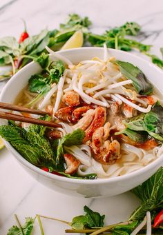 This delicious chicken pho recipe tastes like you simmered it for hours, but it can be prepared in just 20 minutes, with a few simple ingredients. Vietnamese Recipes, Asian Recipes, Healthy Recipes, Ethnic Recipes, Vietnamese Noodle, Thai Basil Recipes, Asian Desserts, Delicious Recipes, Salads