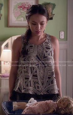 Mona's printed top on Pretty Little Liars.  Outfit Details: http://wornontv.net/50781/ #PLL