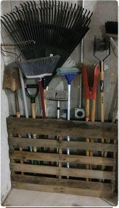 Pallet Garden - Pallet Garden Ingenious garden storage for tools, with . # for # garden storage # pallet garden Diy Garage Storage, Garden Tool Storage, Shed Storage, Garage Organization, Yard Tool Storage Ideas, Pallet Storage, Storing Garden Tools, Garden Tool Organization, Garage Storage Solutions