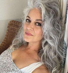 Grey White Hair, White Blonde Hair, Short Grey Hair, Gray Hair Women, Natural White Hair, Short Silver Hair, Grey Hair Styles For Women, Grey Hair Transformation, Silver Haired Beauties