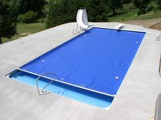 automatic pool cover pool with rounded edges