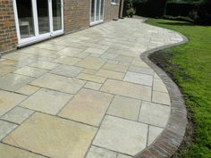 Best Landscape Architecture Ideas - Rectangular paving with light tones with curved edge – by A Cut Above The Rest Garden Services. Garden Slabs, Garden Paving, Garden Path, Back Garden Design, Yard Design, House Design, Backyard Patio, Backyard Landscaping, Patio Garden Ideas Uk
