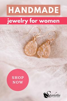 These graceful teardrop earrings are the classic style you've been looking for! The soft champagne color of the druzy gemstone is paired with delicate rose gold filled wire making these handmade earrings both trendy and timeless. Being handmade makes each pair of earrings one of a kind. The perfect addition to your collection! #druzyearrings #teardropearrings #champagnecolor #timelessjewelry Druzy Jewelry, Cameo Jewelry, Rose Gold Jewelry, Copper Jewelry, Custom Jewelry, Handmade Bridal Jewellery, Handmade Bracelets, Handcrafted Jewelry, Earrings Handmade