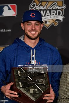 Kris Bryant ,CHC, winner of the NL Hank Aaron Award for 2016//Oct 26,2016 Game 2 World Series at CLE