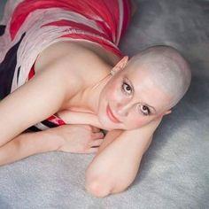 Buzz Cut Women, Bald Women, Shaving Razor, Shaved Head, My Boyfriend, Give It To Me, Celebrities, Type 3, Sexy