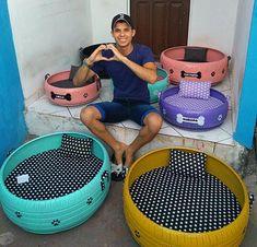 Jovem da Paraíba transforma pneus usados em camas para pets Dog House Bed, Diy Dog Bed, Cat Condo, Dog Items, Dog Daycare, Animal Projects, Cat Furniture, Pet Beds, Dog Houses