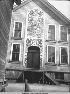 Totem over the door of the chief's house. :: Alaska State Library-Historical Collections
