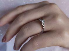 En güzel pırıltı... Model numarası:23R0108🔎siriuspirlanta.com adresinden ürün detaylarına ulaşabilirsiniz. #sirius #siriuspırlanta #pırlanta #pirlanta #diamond #yüzük #yuzuk #tektaş #tektas #tektaşyüzük #tektasyuzuk #pırlantatektaş #teklif #evlilik #evlilikteklifi #nişan #söz #mücevher #jewellery #takı #gelin #sevgiliyehediye #hediye #engüzelevet #lüks #pazar #istanbul #loveit #likeit Diamond Solitaire Rings, Istanbul, Model, Jewelry, Jewels, Schmuck, Jewerly, Jewelery