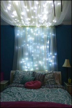 Turn your bedroom into a magical place with this bed canopy with fairy lights!